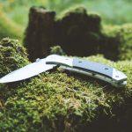薪割りに使っている「剣鉈」ナイフの代用として